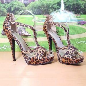 "Leopard Xhilaration High 5"" Heels Size 7 M EUC"